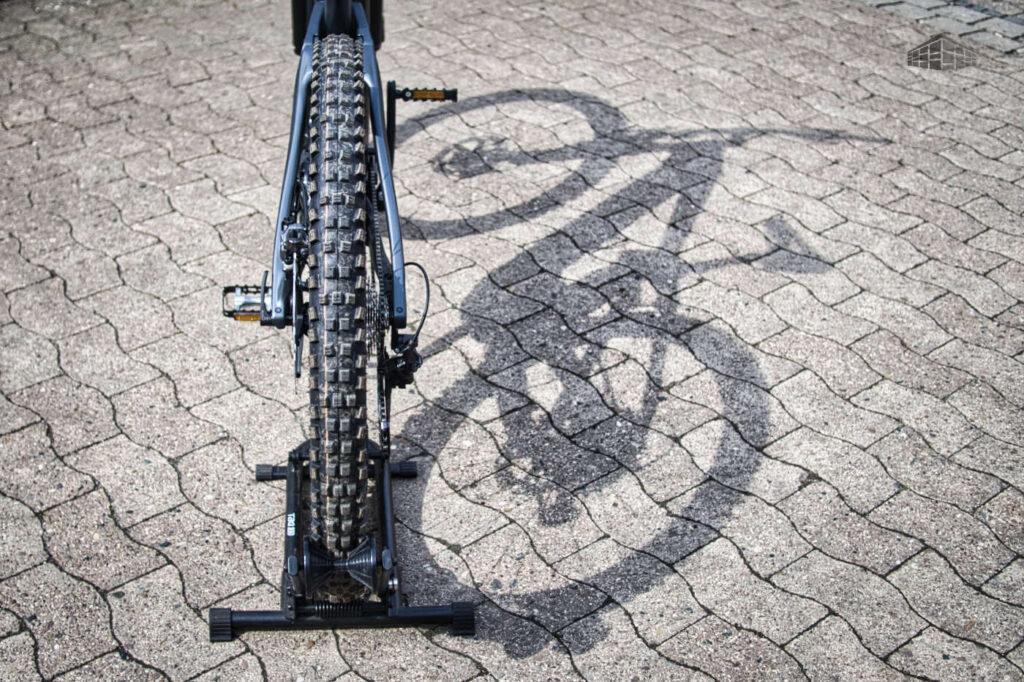 Simplon Rapcon MAXP - Hinterrad und Schatten